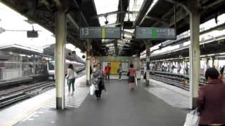 御覧のように、全然人がいません。こんな新宿駅始めてみました。撮影日2011年5月28日。CANONで撮影。