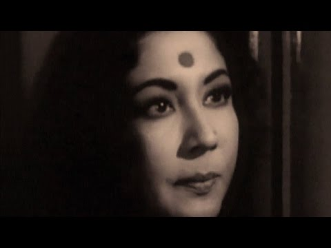 Meena Kumari gets drunk - Hindi Classic...