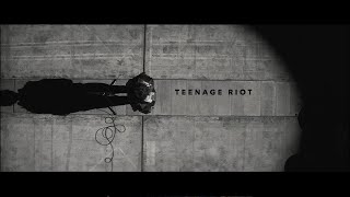 Gambar cover 米津玄師 MV「TEENAGE RIOT」