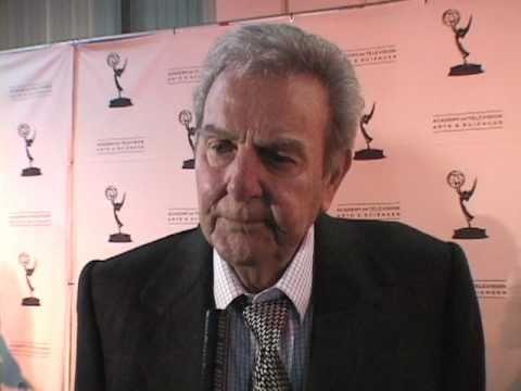 """Mike Connors on the """"Primetime TV Crimefighters"""" Red Carpet - EMMYTVLEGENDS.ORG"""