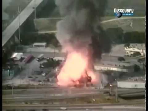 Взрыв баллонов с ацетиленом на заводе