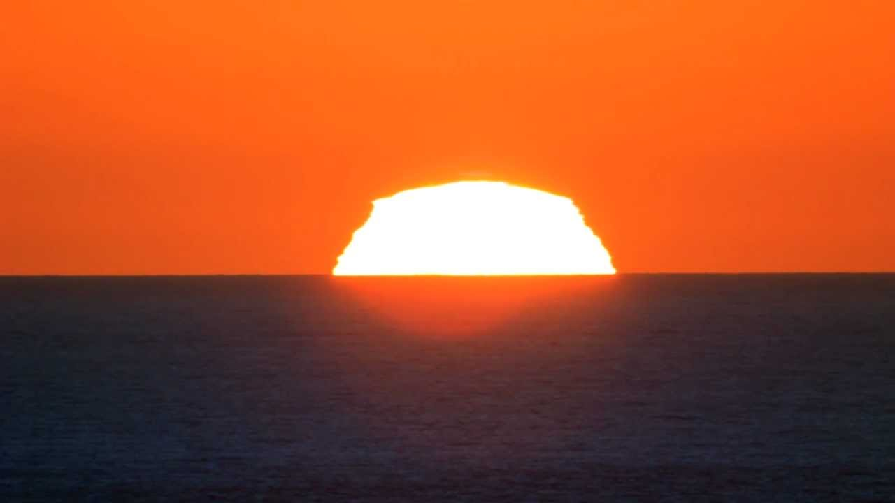 sc 1 st  YouTube & A perfect Green Flash Sunset - YouTube