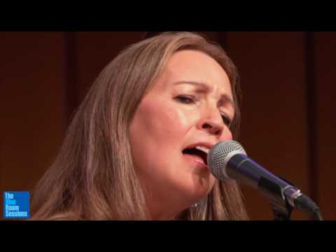 Suzanne Jarvie with Chris Brown and BartJan Baartmans - Spiral Road Mp3