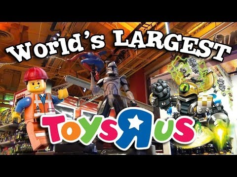 "World's LARGEST TOYS ""R"" US! Behind-the-scenes in New York - Time's Square!"