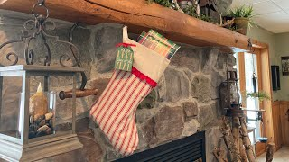 'AND THE STOCKING OF NEEDLEWORK GOODIES HUNG BY THE CHIMNEY'...Country Stitchers Floss Friends V118