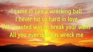 ★Miley Cyrus★ Wrecking Ball (Nicolas Costa Remix)~~►Lyrics