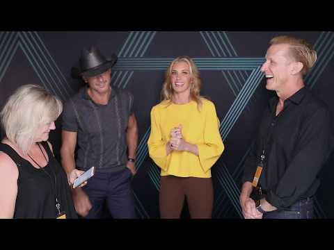 Clay & Karen hang out backstage with Tim McGraw & Faith Hill May 31/17