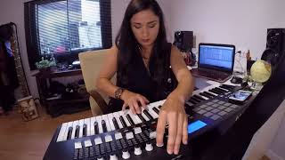 "Karinn Live Act Techno - Jiggler ""Stairs"" (Akai MPK 61)"