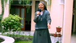 Conozca a la monja que le quiere hacer la competencia a Sor Cristina de Italia