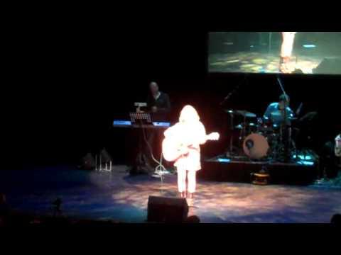 Manon Bosch tijdens Soundmixfinale Almelo (Forever and always)