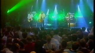 PAUL WELLER . FROM THE FLOORBOARDS UP, RUNNING ON THE SPOT, LIVE
