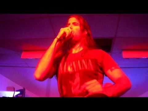 Live! Atom Smash- Do Her Wrong mp3