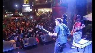 amora band modus at miko mall bandung