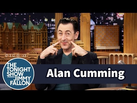 Alan Cumming Talked Helen Mirren into Loving Crocs