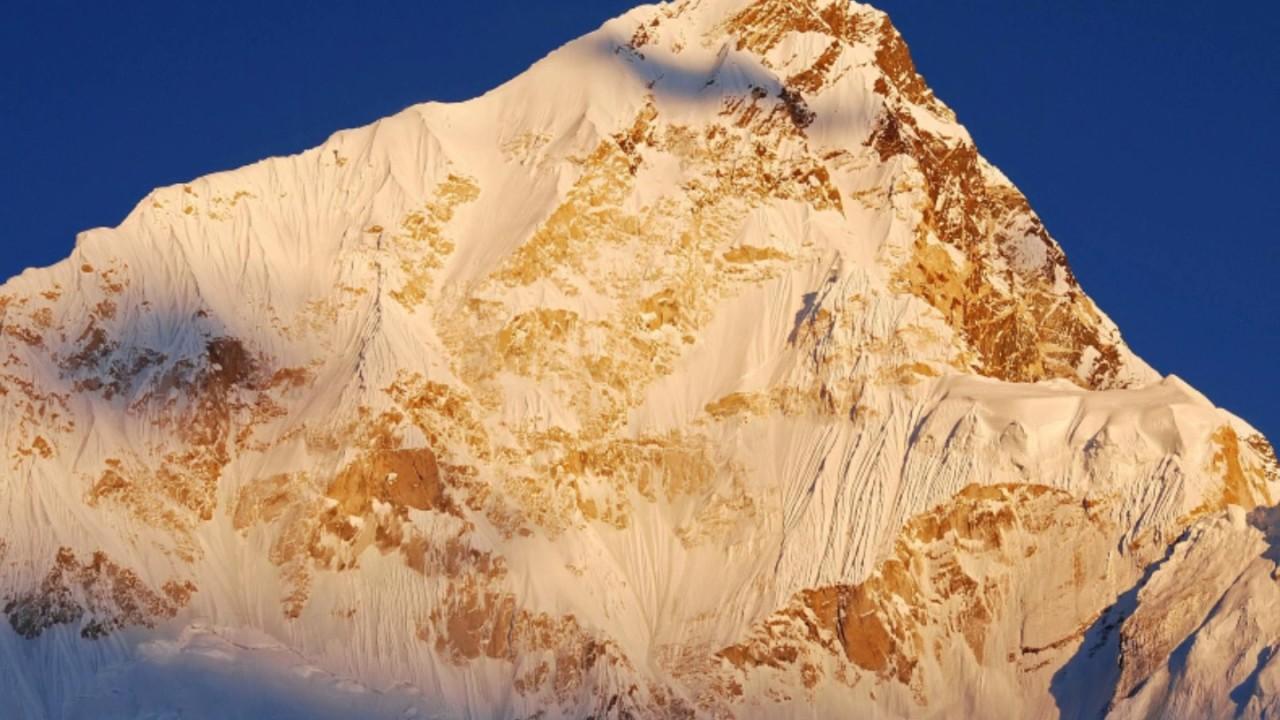 Ueli steck new speed record eiger 2015 youtube - Nuptse Nepal 7 861 M Sherpa Ueli Steck Legendary Swiss Machine Climber Dies
