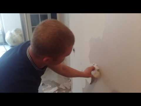 Как снять акриловую краску со стен и потолка