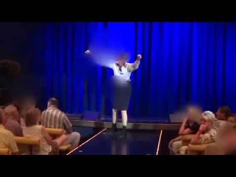 Ordnung  im Theater der AIDAvita