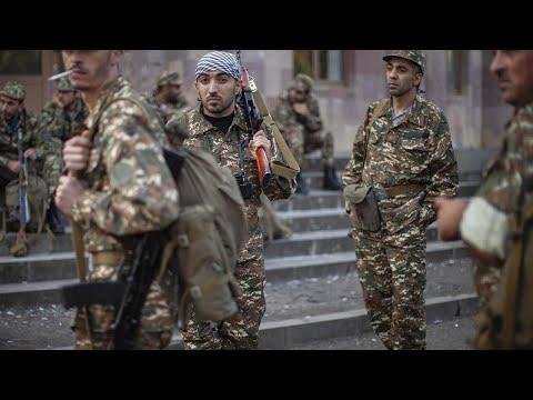 Нагорный Карабах - кадры поднятия флага /Армения и Азербайджан