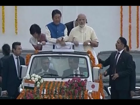 WATCH FULL: PM Modi and Japanese PM Shinzo Abe's roadshow from Ahmedabad airport to Sabarm
