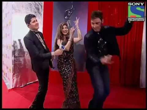 1980s Tohfa songs at Filmfare Awards 2012- Red Carpet