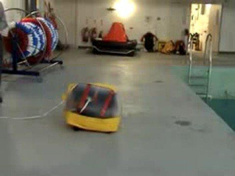 liferaft-test-by-pbo:-xm-4-man-valise-inflating
