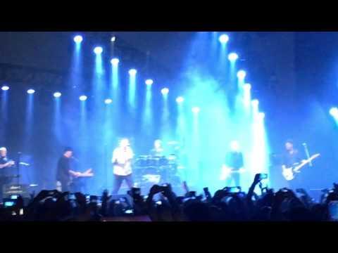 Abertura do show do Midnight Oil em São Paulo 2017 - Blue Sky Mine - (HD)