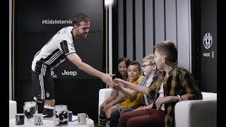 USA Tour   Miralem Pjanic, Kids Interview!