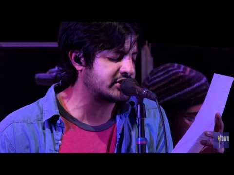 ETown Finale With Young The Giant & Civil Twilight - I Turn My Camera On (eTown Webisode #208)