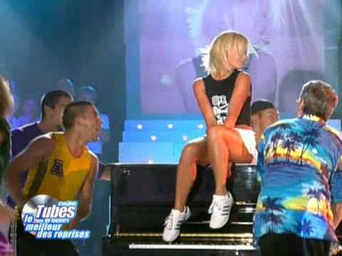 Geri Halliwell - It's Raining Men - Live At Tubes D'un Jour 2001