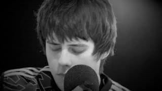 Jake Bugg –  Put Out The Fire (LIVE)