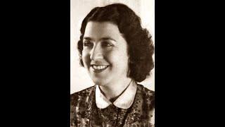 """Martha Angelici sings """"Ma Poupée Chérie"""""""