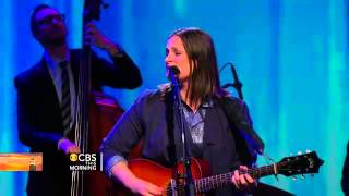 Madeleine Peyroux performs