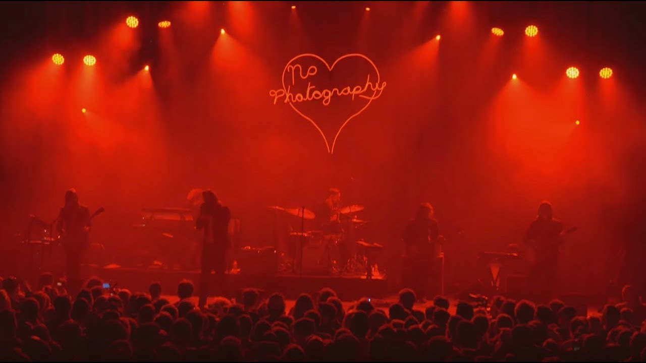 father-john-misty-i-love-you-honeybear-live-sub-pop