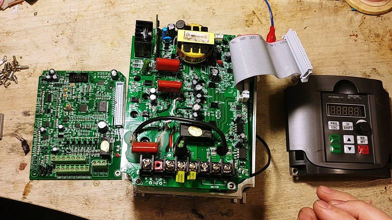 Обзор со вскрытием повышающего частотника на 5.5КВт