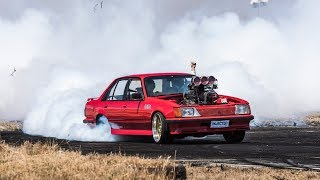1000HP BLOWN BURNOUT COMMODORE STARTS GRASS FIRE