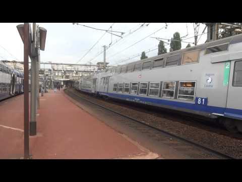 Mouvements de trains à Versailles-Chantiers le 06/09/2013.