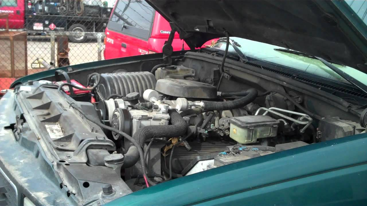 hight resolution of 1997 gmc sierra 3500 pickup truck with 7 4l v8 engine 288 starting up youtube