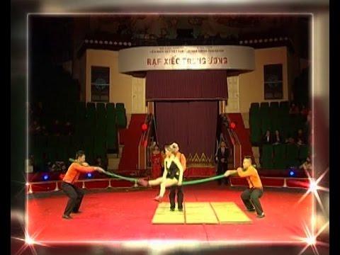 Xiếc Việt Nam - Nhào lộn trên sào trên cả tuyệt vời