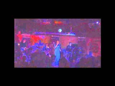 """Mai Thien Van """"Linh Da Tinh"""" @ V3  Club, Virginia - 1/15/11"""