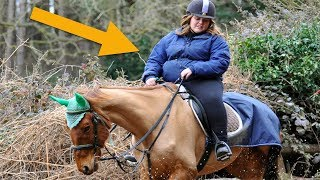 When This Woman Took A Selfie With Her Horse People Spotted The Cruelty She