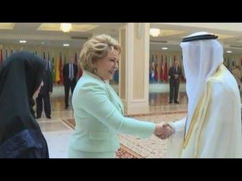 Матвиенко обменялась опытом с парламентариями Эмиратов