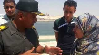 مواطنة تفاجىء اللواء كامل الوزير فى قناة السويس الجديدة  وتطلب منه تحقيق امنية غالية