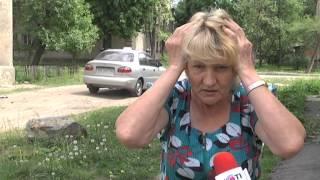 В Харькове упал балкон с двумя женщинами!(В Харькове упал балкон. Двое пожилых женщин упали со второго этажа. Они в больнице. Пострадавшим - 68 и 84 года...., 2013-05-17T10:18:35.000Z)