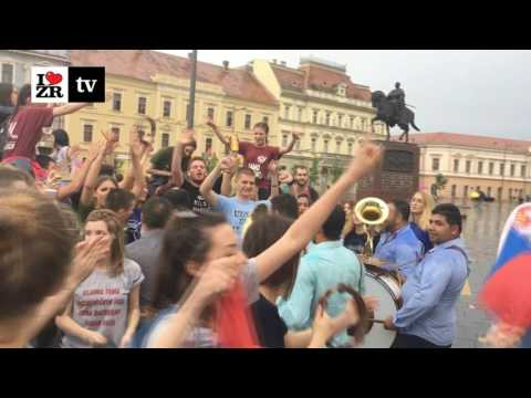 Maturanti Zrenjaninske gimnazije proslavljaju kraj srednje škole 2017