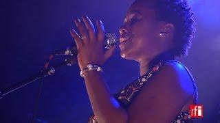 """Elida Almeida chante """"Mar Sagrado"""""""