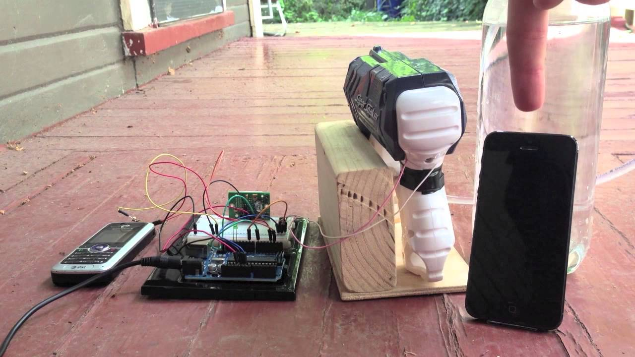 Cat Water Gun Hack Using A Motion Sensor And Arduino Youtube