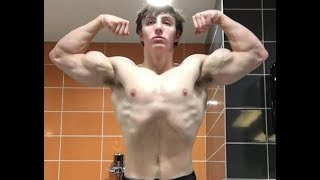 Sam 15 year old Natural bodybuilder|| posing with workout