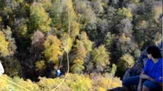 прыжок со скалы ущелье Мишоко 2 Оштен-тур