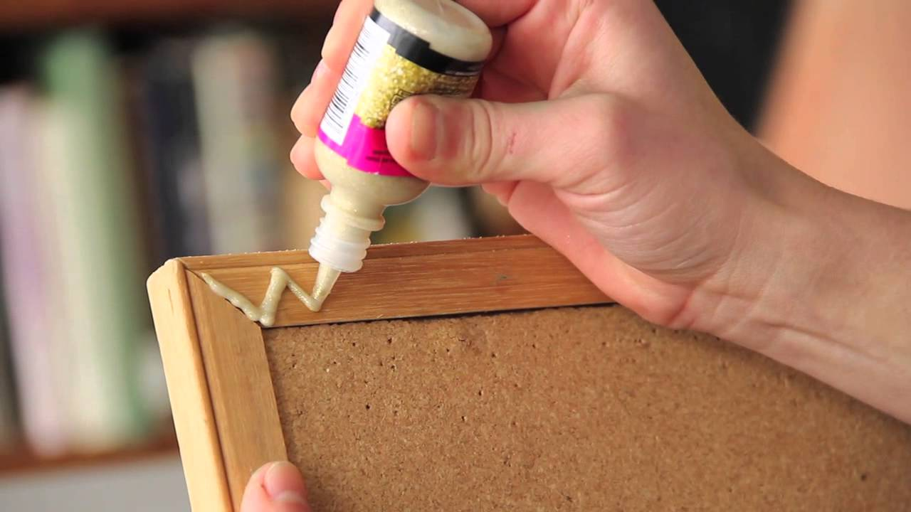Ways to decorate an old cork bulletin board fun for How to decorate a cork board