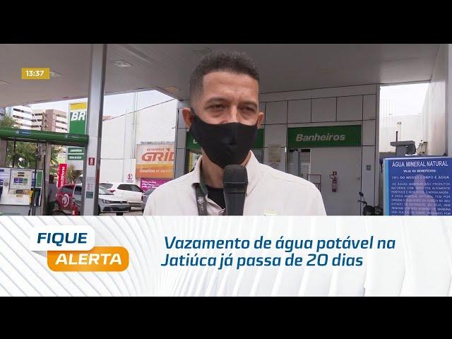 Vazamento de água potável na Jatiúca já passa de 20 dias